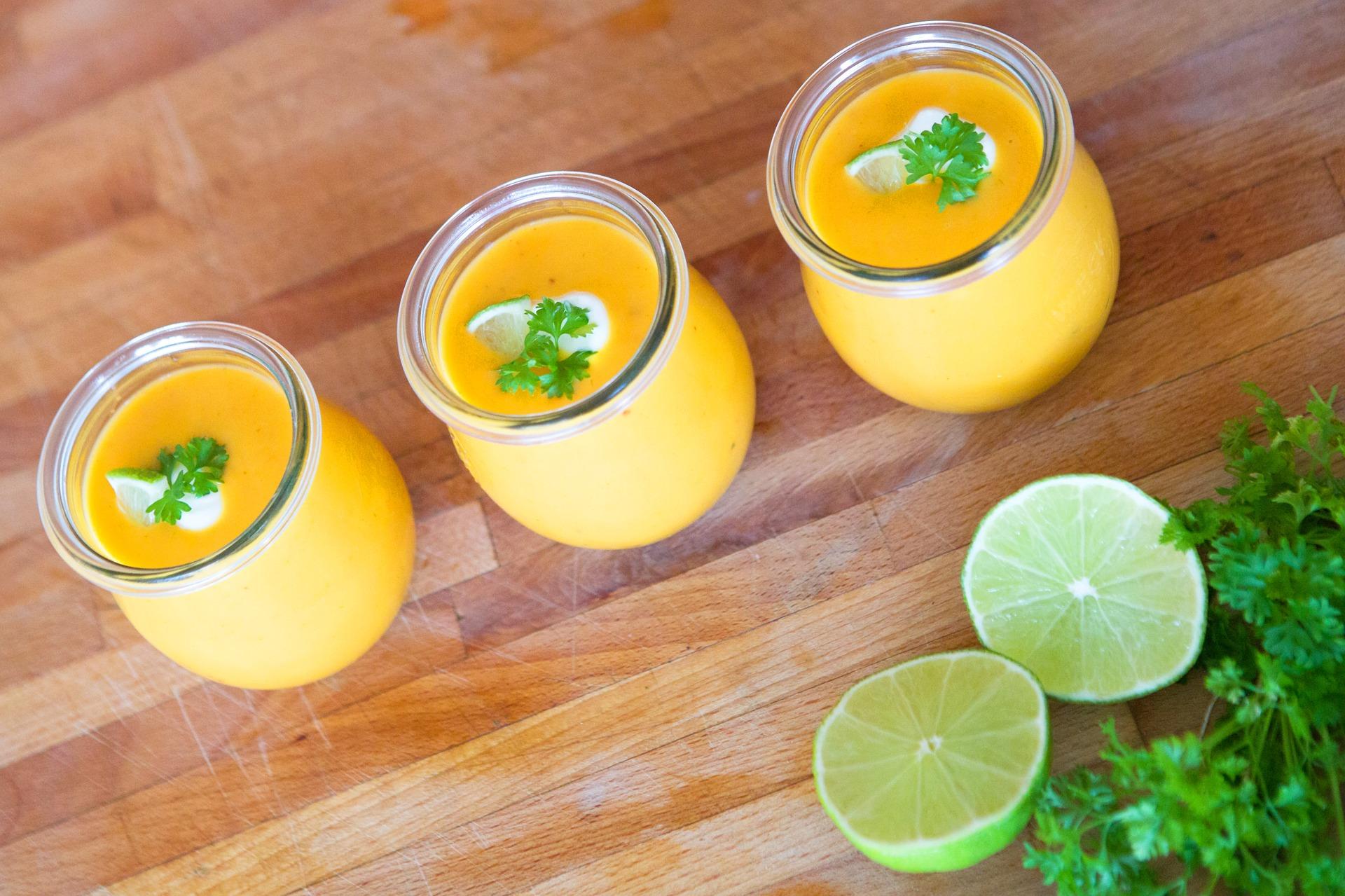 Süßkartoffel-Kokos-Suppe mit Limette